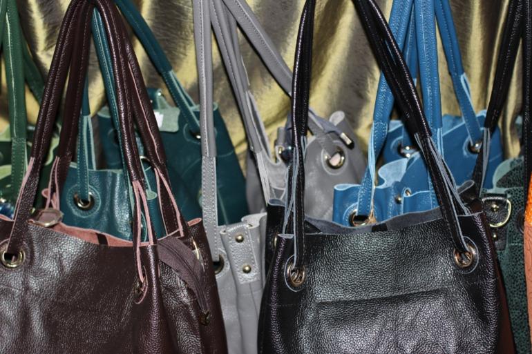 Ищу поставщика женской брендовой одежды, обуви и сумок