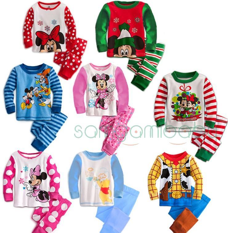 Для девочек и мальчиков пижамы, боди, костюмчики.