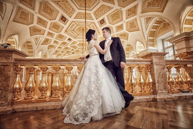 Внимание  изысканных  невест!