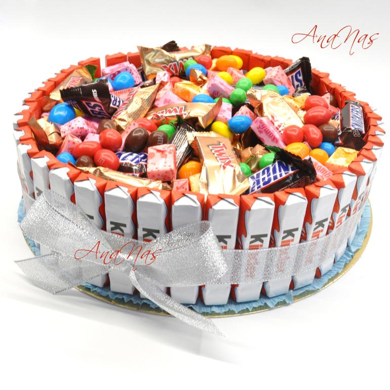 Торт из печенья и конфет своими руками 1153