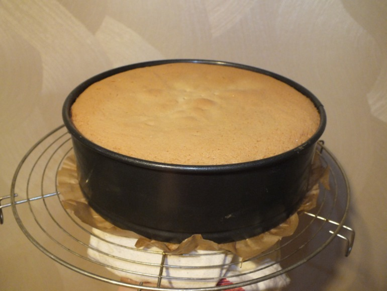 Моя новая радость ))) Ванильный бисквит на кипятке
