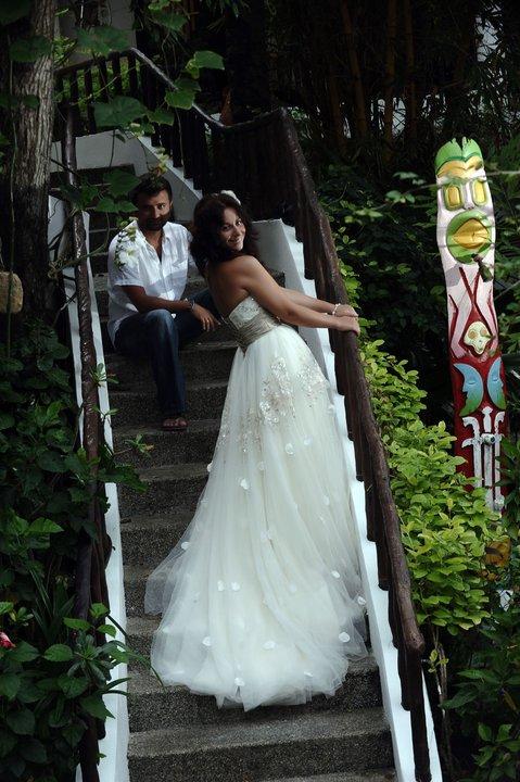 Прдаётся свадебное платье и мужской костюм!