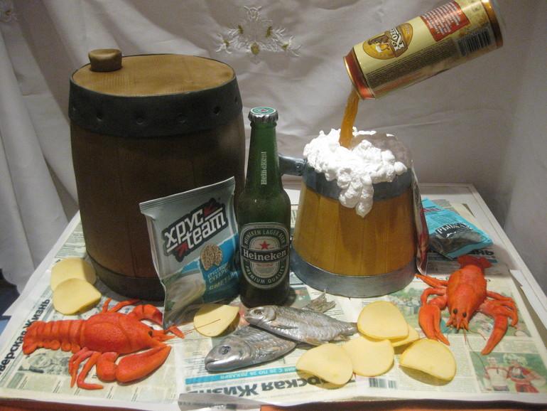 Пиво. Много пива!)))
