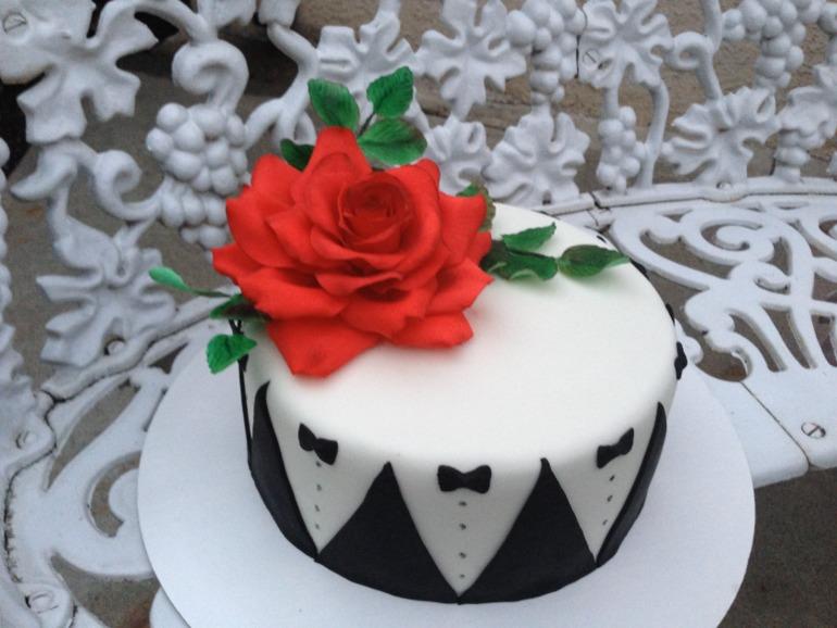 Работа над ошибками или тортик для мужчины с розой