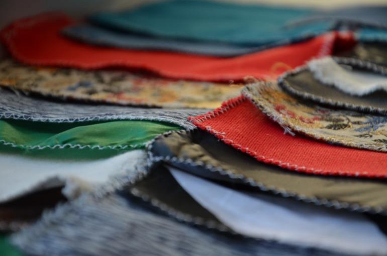 Тактильное лото из кусочков ткани