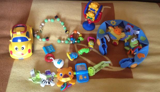 Продам  БУ  игрушки  известных  фирм.  Пакет  за  1500  руб