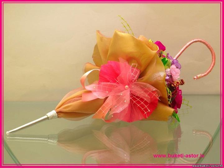 Зонтик из конфет мастер класс пошагово