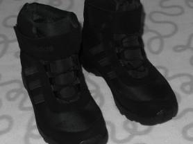 Новые кроссовки на меху Adidas, 33 размер