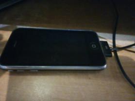 Продам для звонков или на запчасти iPhone 3GS