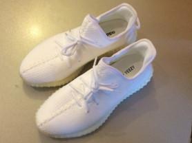 кроссовки Adidas Yeezy Boost V2