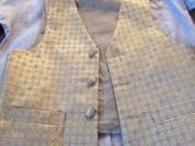 рубашка с жилетом +брюки на 122-128 на 6-7 лет