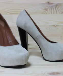 Велюровые туфли.