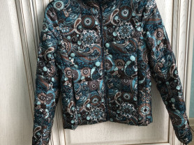 Нова куртка р 42-44