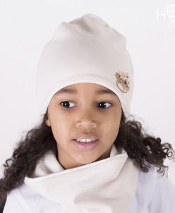 Велюровая шапка с брошкой корона, молочный