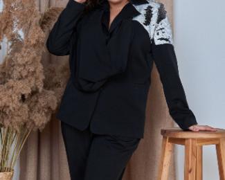 «MODNICY»это фабрика модной женской одежды.