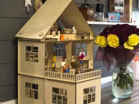 Кукольный коттедж с комплектом мебели во все комна