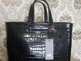 Новая классическая сумка Италия кожа лак