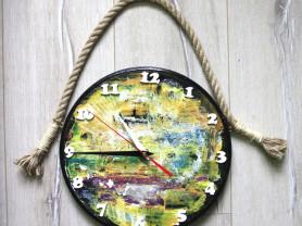 Авторские часы из массива березы