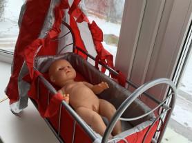 Кроватка для куклы с переноской