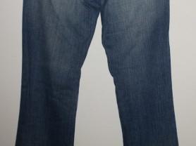 Джинсы голубые стрейч с вышивкой длина 104 см р.27