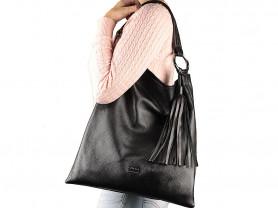 Новая кожаная сумка черная Италия с кисточкой