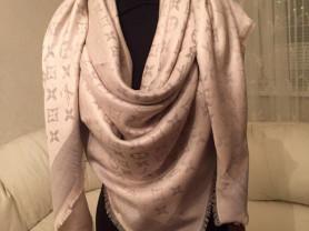 Платки и Палантины Louis Vuitton