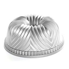 Nordic Ware Pro Cast Bavaria Bundt Pan