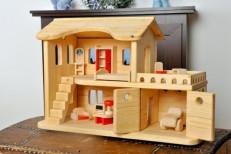 Кукольный дом с верандой и гаражом, ТМ Леснушки
