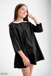 Черное платье с акцентным воротником