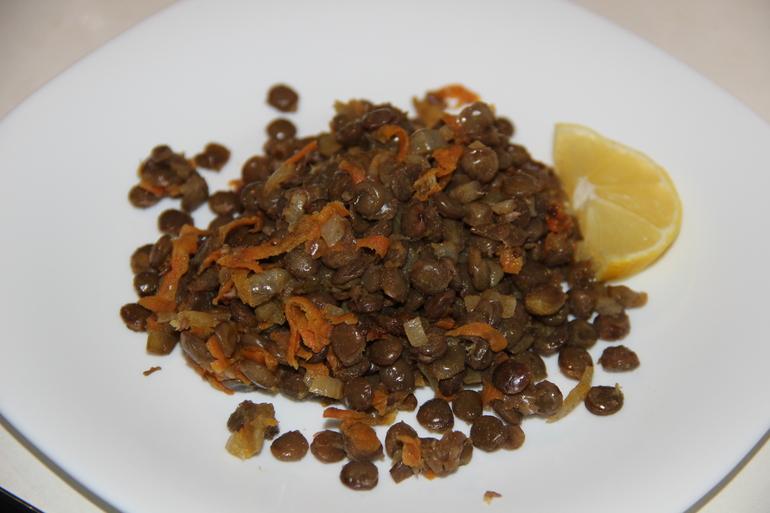 Чечевица  с  маринадом  из  моркови  и  лука!