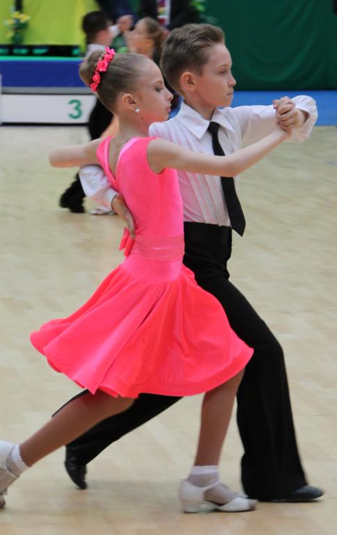 Как сшить рейтинговое платье для бальных танцев своими руками 15