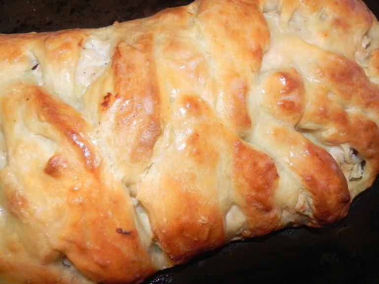 Пирог с картошкой,луком и фаршем)