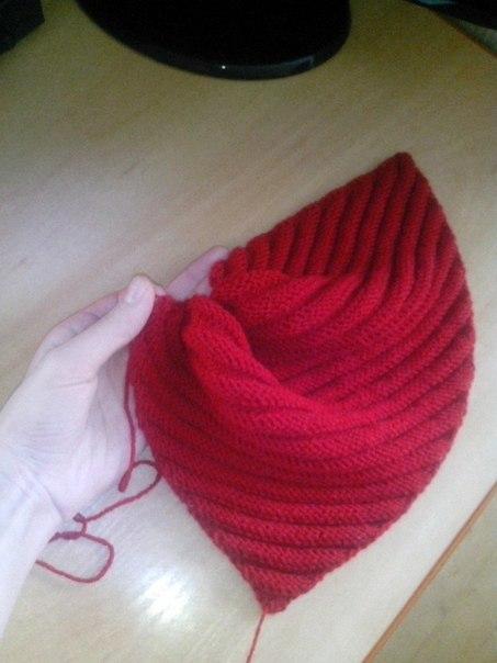 Вязание шапок спицами по диагонали 300