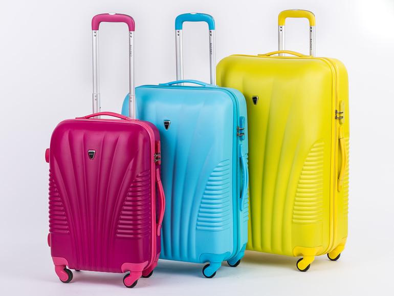 Дорожные сумки пласстиковые чемоданы рюкзаки к школе 2015