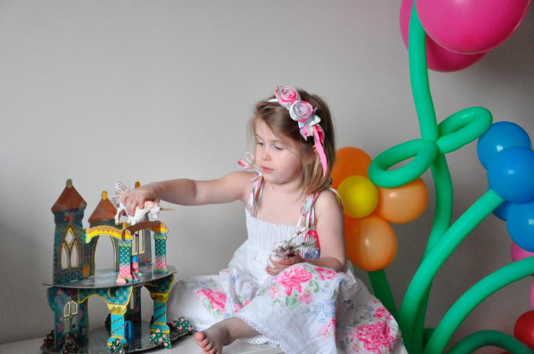 Моя взрослая маленькая девочка со сладкими щечками
