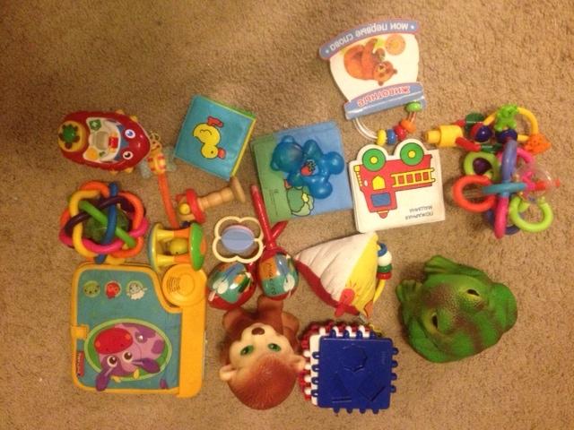 Игрушки для малыша пакетом