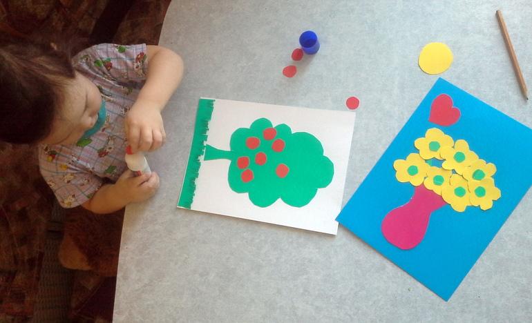 Аппликация из цветной бумаги фото детям