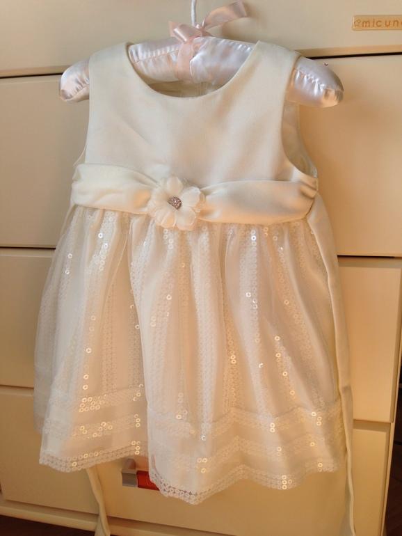 Праздничное  платье  на  12  мес  +  обувь