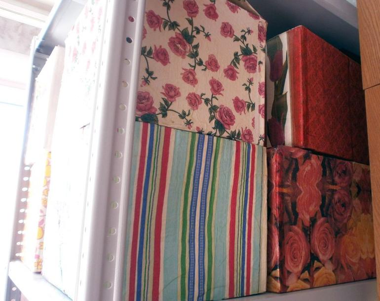 Коробки для хранения вещей.