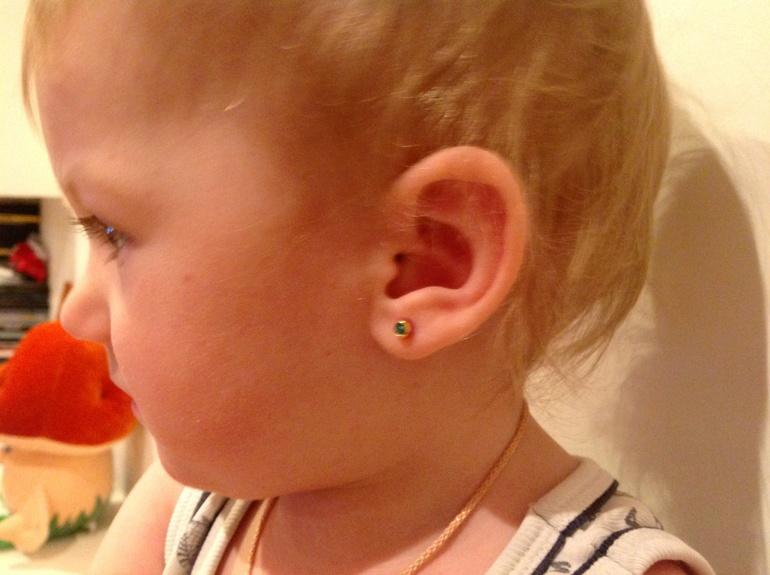 где лучше проколоть уши ребенку в москве термобелье