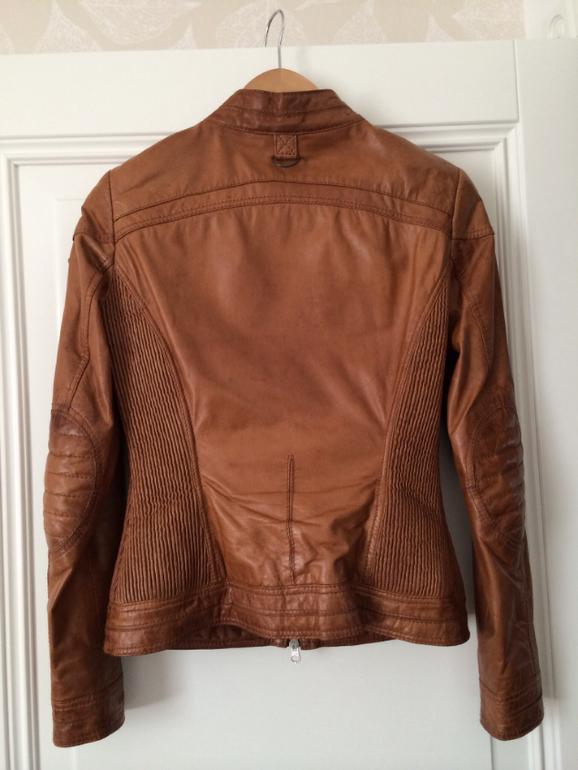 Куртка OCHNIK. Кожа. Р-р 42 (Европа 36, S). 4500 руб.