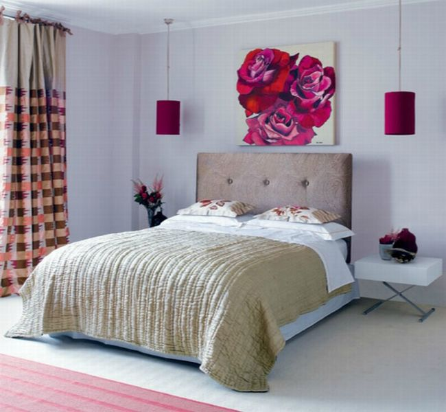 маленькая комната с большой кроватью фото