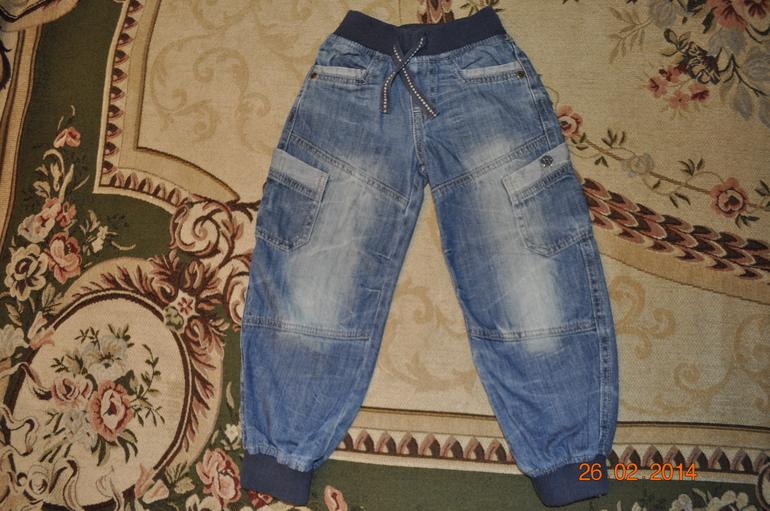 Англия Mothercare джинсы 3-4 года в отличном состоянии 500 руб