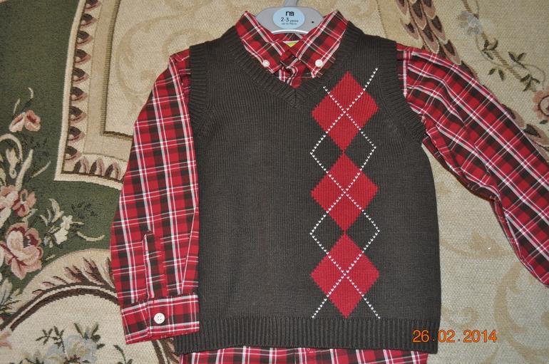 США  Рубашка+  безрукавка  новые.  Фирма  crazy  8  3-4  года