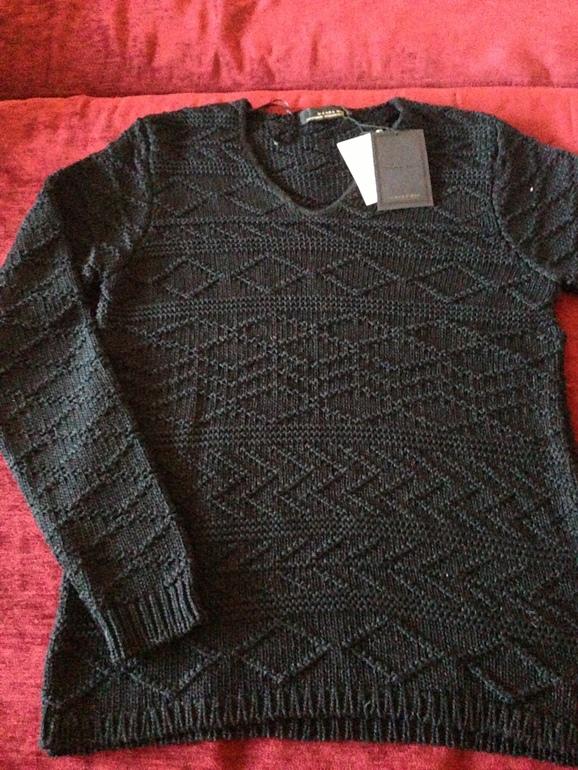Новый  мужской  свитер  ZARA    размер  XL        800р