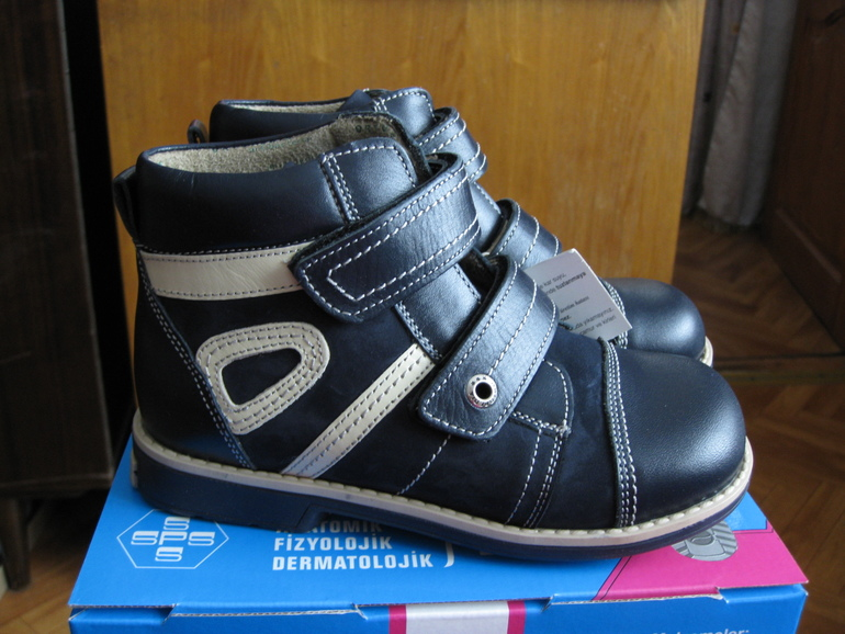 Ботинки мальчик/девочка, 30 размер.