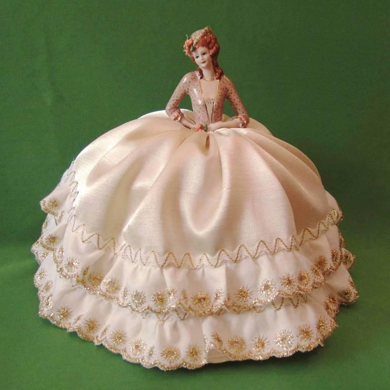 Статуэтка - кукла - игольница, фарфор, Австралия. Новая!
