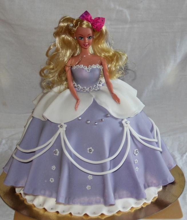 торты с куклами фото