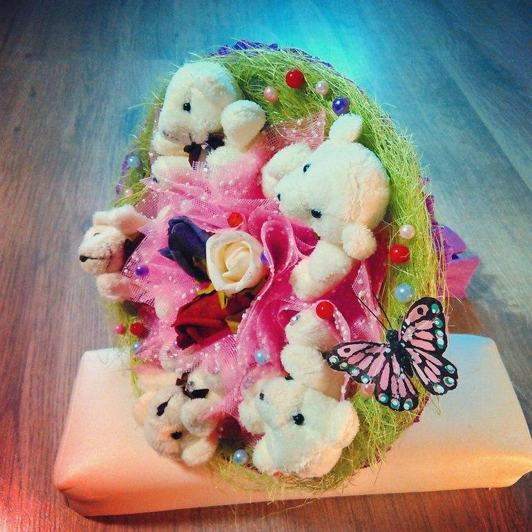 Подарок цветы из игрушек