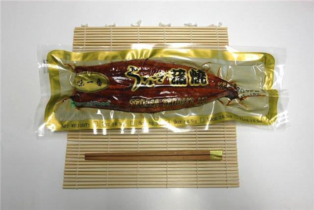 Замороженный жаренный угорь с соусом 1 упаковка 570гр-500р